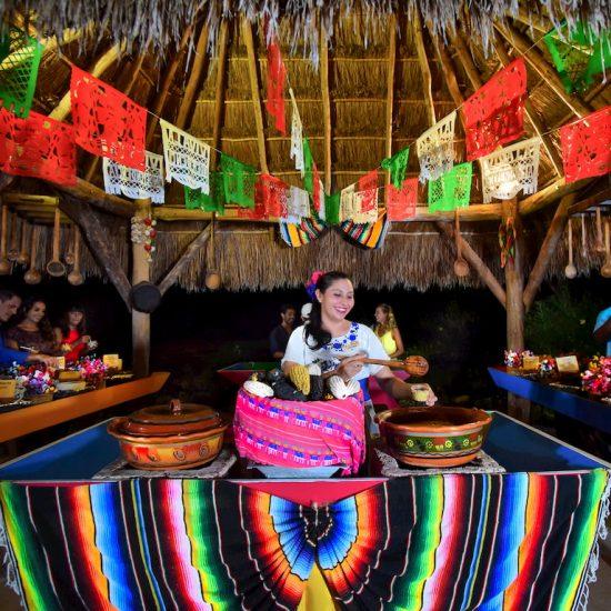 Xoximilco Cancún Comida Tradicional