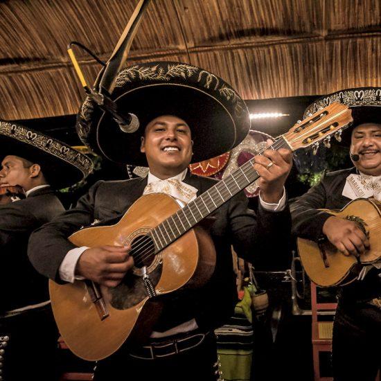 Xoxomilco Cancún música Mariachi