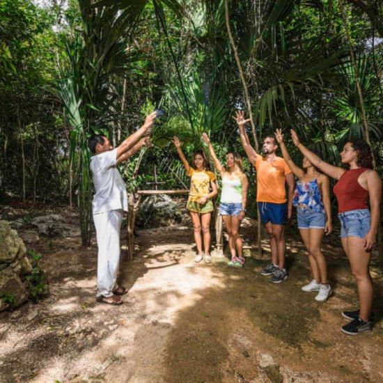 Ritual Maya Chamán Tour Aventura emotions