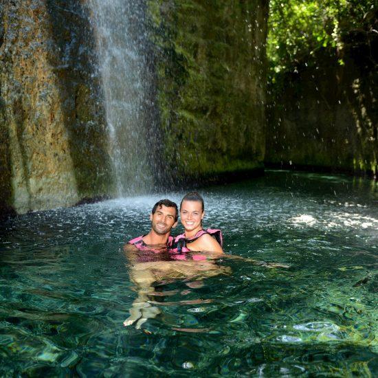 xcaret rio maya pareja