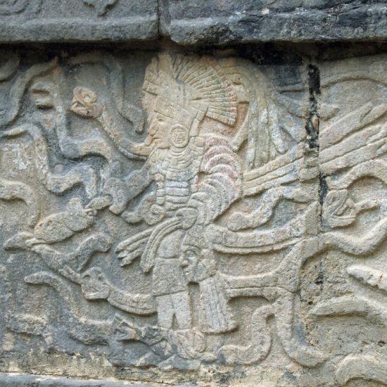 Chichen Itza figuras mayas