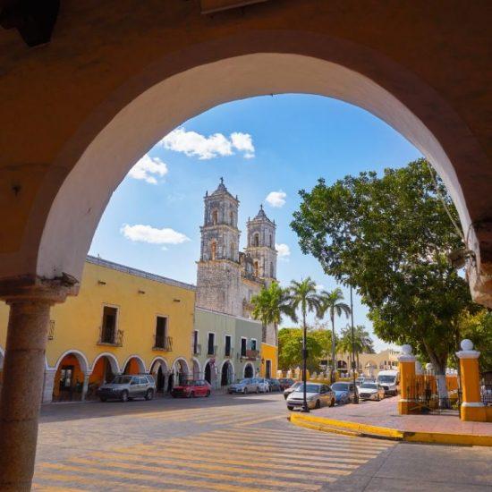 Parque Centro Valladolid Merida Tour Chichen Itza