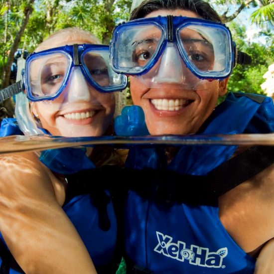 XelHa Snorkel Pareja bajo el agua