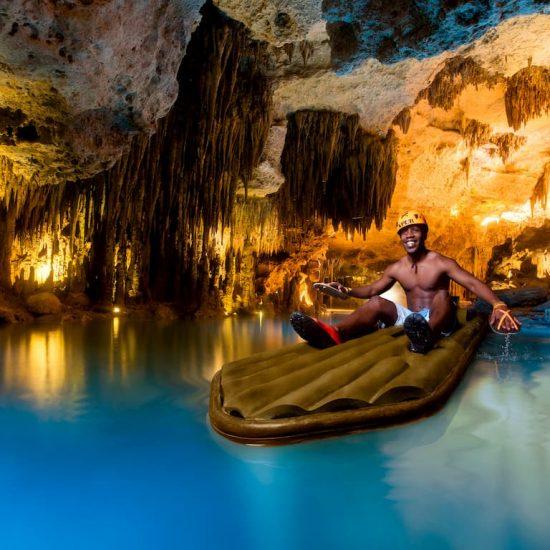 Xplor aventura en balsa rio subterraneo